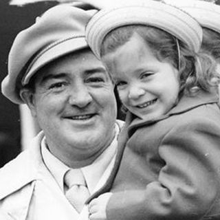 Chis Costello is the daughter of the late Lou Costello. She has written a book about her dad.