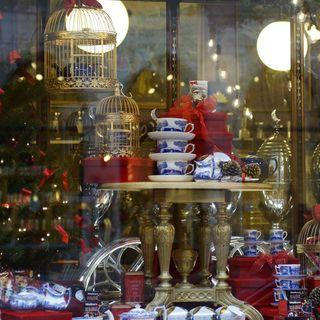 Årets julskyltning - en glädjelös satir, Hyckleriet firar triumfer & Vi ses igen !