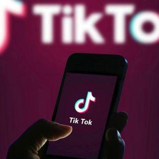 TikTok in vendita negli Stati Uniti, Donald Trump firma l'ordinanza