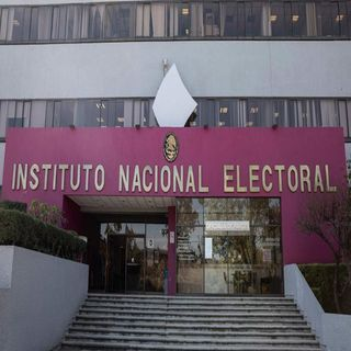 Aumenta el INE de 71 a 100 los candidatos a dirigir Morena