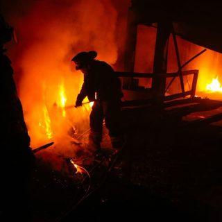 Se incendia fábrica en Santa María Aztahuacán