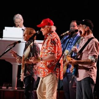 LISTEN: Mike Love From Beach Boys Calls To Talk About Upcoming Omaha Shows