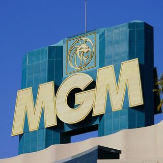 MGM Employee Talks With Wayne Live On The Air