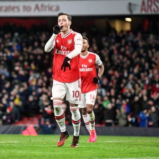 Ozil is the Star as Arsenal Trash Newcastle