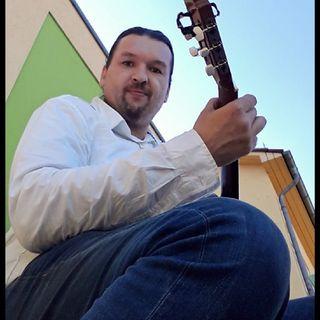 Ricardo - Musikant aus Parchim spielt Rockmusik
