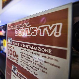 """TV, si cambia di nuovo... ma c'è il bonus. Mini storia del nostro """"totem casalingo"""" (di Corrado Chiominto)"""