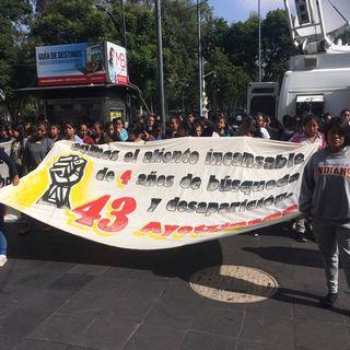 Familiares de los 43 normalistas de Ayotzinapa anuncian una nueva caravana