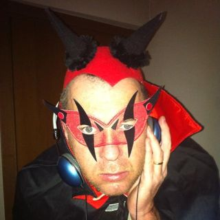 RV ROCK FIRE conduce DJ Luis
