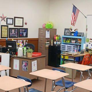 Podcast 12: February 4, 2019- Mrs. Melissa (7th Grade Teacher) Teaches A New Generation