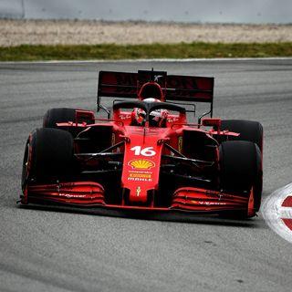 Hamilton e Mercedes battono Verstappen: solo questione di strategia?