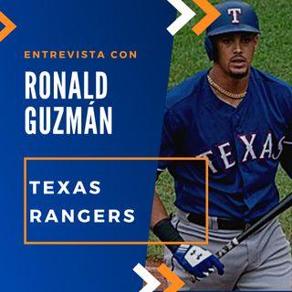 Ronald Guzman de los Rangers de Texas