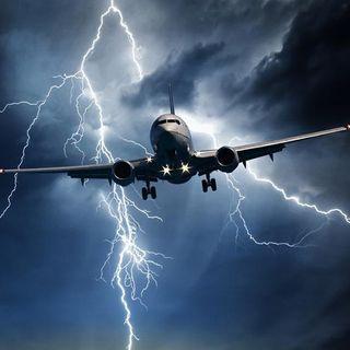 Saatlerdir Korkunç Bir Uçaktayım