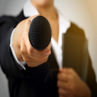 Talking to the Mic