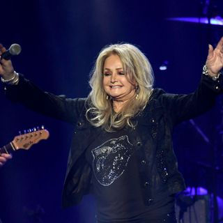 Bonnie Tyler talks about her new album, her songs of the 80's and being a solo female artist and more!