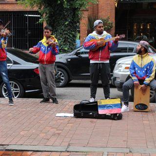 Migración musical: artistas venezolanos pasan de orquestas en Venezuela a las calles de Colombia