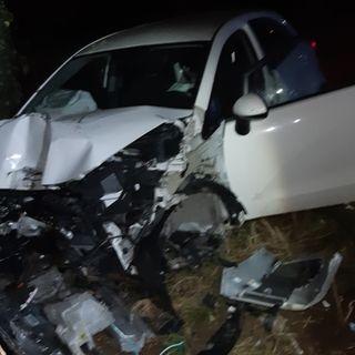 Schianto nella notte, ragazza ferita: 23enne alla guida con un tasso alcolico tre volte il consentito