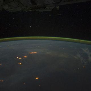 171-Planet's Airglow