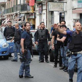 Rapina a Napoli, muore 17enne in una sparatoria. In manette un complice di 18 anni