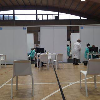 """Vaccinazioni sospese per carenza di dosi. A Marano si riparte domani prima del """"trasloco"""""""