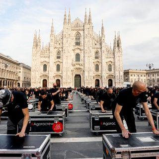 500 bauli vuoti in piazza: così protestano i lavoratori della musica