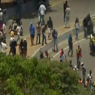 Enfrentamientos entre opositores y simpatizantes de Maduro