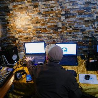 Radio Cimarrona transmite en vivo