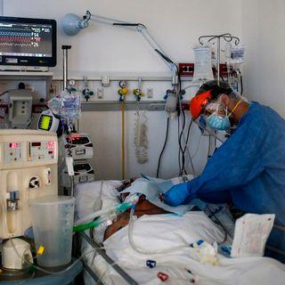 Pesadillas y contagios acosan al personal sanitario en Argentina