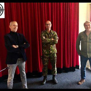 Wapenbroeders voor het leven, veteranen Overste Theo Van de Zanden  en Oud Sgt, Ed Heemskerk