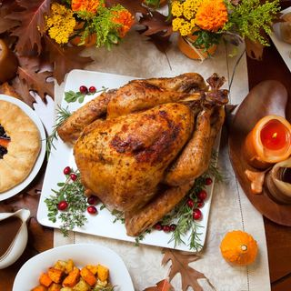 """THANKSGIVING  DAY"" versión dominicana"