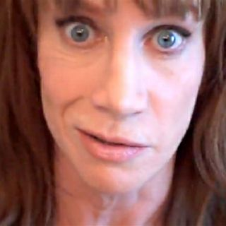 Kathy Griffin Makes Mockery Of Donald Trump & Get's Handed Her A$$ On Twitter!