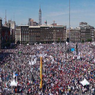 110 mil personas acompañan a AMLO en el Zócalo