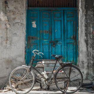 Cycle Ki Tooti Hui Chain