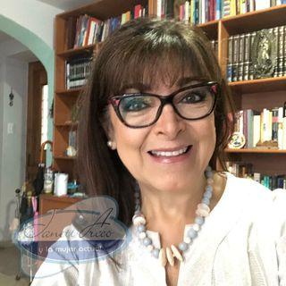 No te pierdas una charla entre amigas!!! Evelyn Lapuente con su estilo único y Janett Arceo.