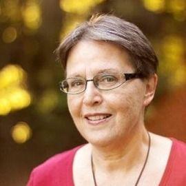 Resume Storyteller with Virginia Franco – Interview with LinkedIn & Career Coach Sharon Hamersley