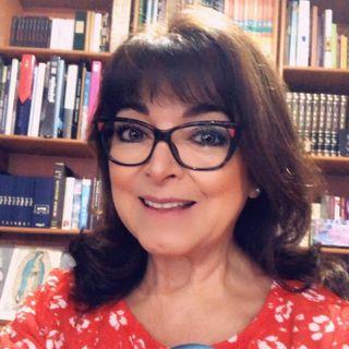 ¿Cómo sería despejar nuestras vidas y vivir con menos? Escucha a María Elena González Leite, MEG.