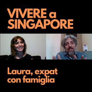 Laura, con marito e figli a Singapore