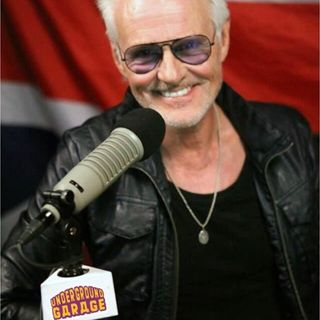 We talk to the iconic Michael Des Barres. Live-Aid, MacGyver, Murdoc, His Show on Sirius, His Faves!