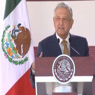 López Obrador encabeza el 195 aniversario de la Armada de México