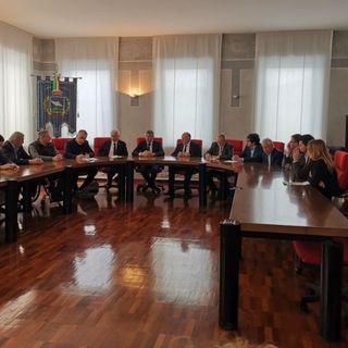 Distretto 2, i sindaci chiedono a Zaia un incontro urgente. Critica la situazione nelle Rsa