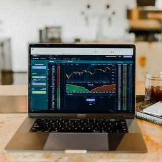 Perchè i mercati azionari salgono? La parola al giornalista Andrea Ropa