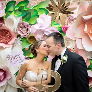 How You Can Save Money By Hiring A Wedding Photobooth?