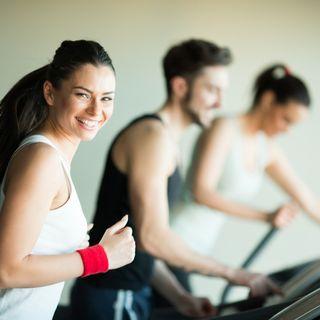 Attività aerobica e allenamento con i pesi è corretto svolgerli assieme e in quale ordine?