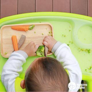 In che cosa consiste l'alimentazione a richiesta del bambino?