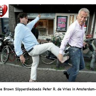 'Held' Peter R. de Vries zet zichzelf op 'Doden-Kijkcijfer-lijst' van Holleeder & Taghi. Wilders heeft Leedvermaak.