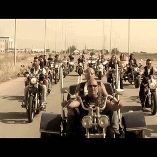 Βασίλης Καρράς - Τι να μας πεις - Vasilis Karras - Ti na mas peis - Official Video Clip (HD)