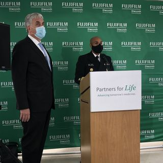 Federal Officials Tour FUJIFILM Diosynth Biotechnologies