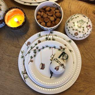 Moderne og klassisk juletradition til bordet