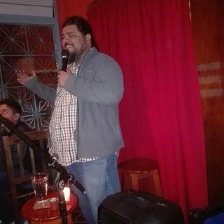 """Amo el standup, me encanta la comedia; yo creo que la comedia va a salvar al mundo"": Miguel Castanedo."