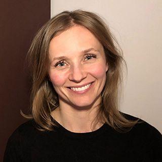 9: 'Jeg er bare ked af det, mor' - Om UNGE, følelser og psykoterapi. - Samtale med Tanja Skov Rønne