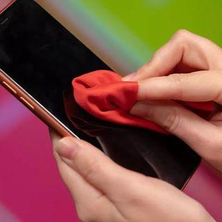 TECNOLOGIA E MEDICINA -  Ma lo smartphone può passarmi il coronavirus?